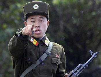 Северокорейские мобильники обязали соблюдать траур по Ким Чен Иру