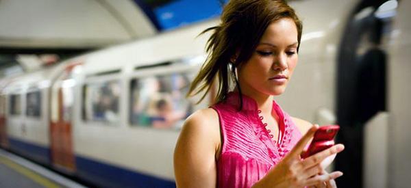 Чехи возмущены дороговизной мобильной связи