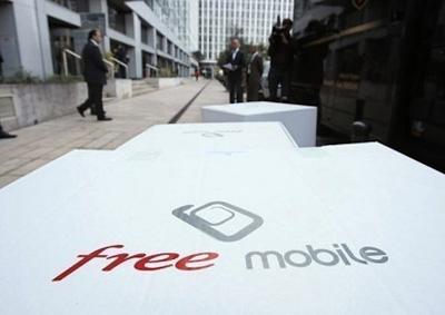 Free Mobile вынужден распродавать мобильники себе в убыток