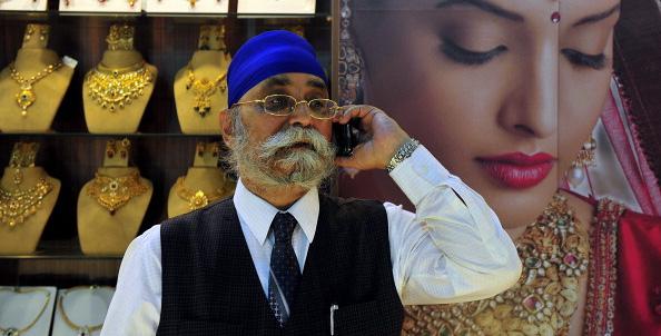 Индийский суд оставит аннулированные лицензии до проведения аукциона