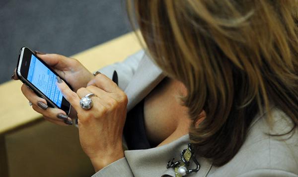 Россиян атаковали вирусные SMS-сообщения