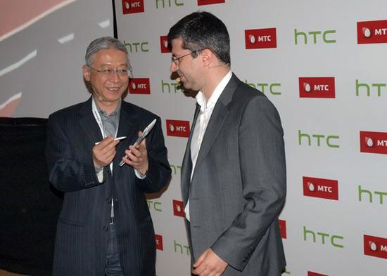 Российский МТС предложил безлимитный интернет владельцам HTC