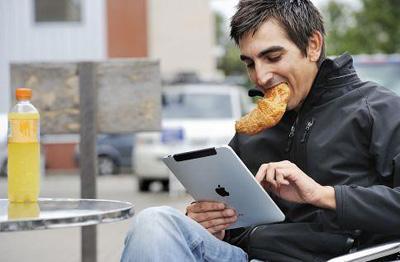 Мобильные устройства становятся среди туристов все популярнее