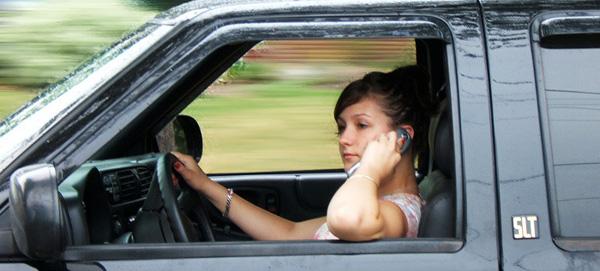 Индусы создали систему блокировки телефона в автомобиле