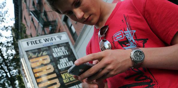 Таксофоны Нью-Йорка превратят в точки доступа Wi-Fi