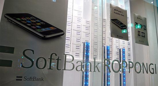 Apple отправил компанию Softbank в нокдаун
